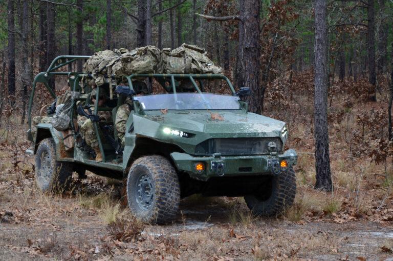 Pifias de la industria militar norteamericana: El ejército de EE. UU. Ni siquiera rastrea cuántas armas pierde, y ha perdido miles - Página 2 MJM_0022_EDIT-768x509